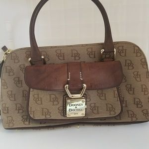 Dooney & Bourke Bags - Vintage Dooney Bourke Satchel